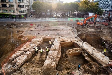 De zuidelijke kazemat van het Kipdorpbastion, met poterne, tijdens de opgraving