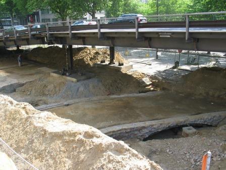 De Kipdorpbrug bij de afbraak van de IJzeren Brug (2006)