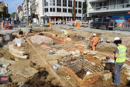 De middeleeuwse Kipdorppoort tijdens de opgraving