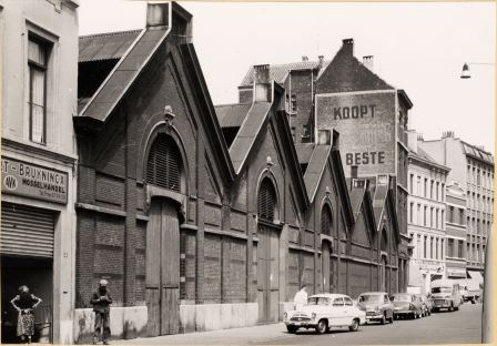 The rear façade of the fish market in Riemstraat