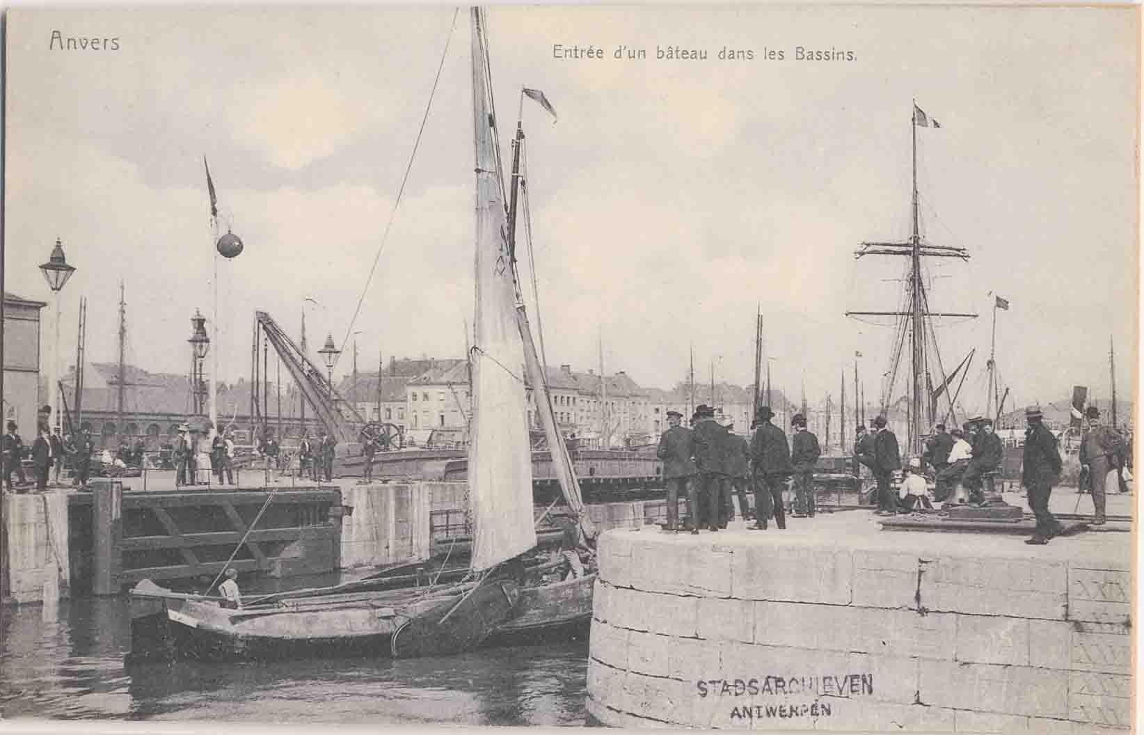 Ship entering Bonaparte Lock in 1903