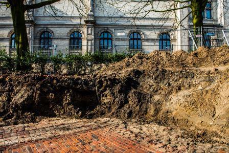 Ondergrondse resten van de citadel in de tuin van het KMSKA – Foto: Dries Luyten