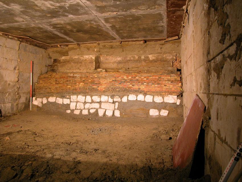 Opgraving fundering Keizerspoort in 2002