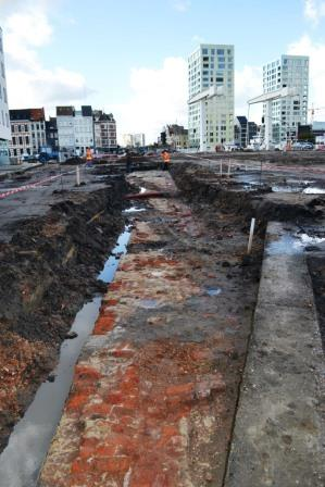 Excavation of the city wall in Londenstraat in 2012