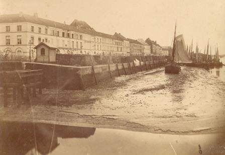 The new quay walls, built under Napoleon