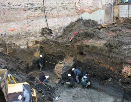 Archeologisch onderzoek burchtgracht 2008