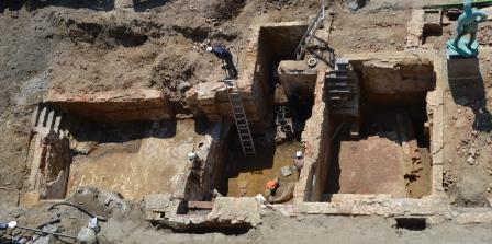Luchtfoto opgraving schepenhuis in 2012