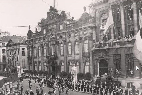 The joyous entry of King Baudouin in 1952